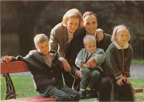 (61) Astrid & Lorenz with 3 oldest children