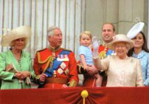 (1791) The Royal Family on the balcony of Buckingham Palace, June 2015 (17 x 12 cm)