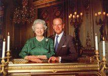 (307) Elizabeth & Philip (17 x 12 cm)
