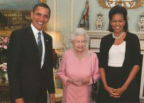 (850) Queen Elizabeth and President Obama & Mrs. Obama (17 x 12 cm)