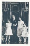 (929) Elizabeth & George VI with daughters (modern postcard)