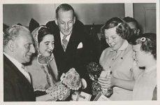 (274) Beatrix and Irene, 1952