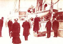 (161) Arrival of royal family to Norway, 1905 (modern card 15 x 10 cm)