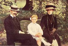 (168) Royal Family ca. 1910 (modern card 15 x 10 cm)