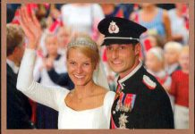 (31) Wedding Mette-Marit & Haakon, 2001 (17 x 12 cm)