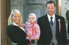 (351) Mette-Marit & Haakon with Ingrid Alexandra, 2005