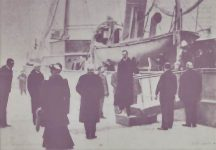 (374) King Haakon's arrival to Norway, 1905 (modern postcard)