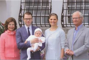 (1045) Princess Estelle with parents and grandparents, July 2012