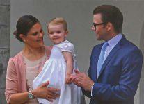 (1073) Victoria & Daniel with Estelle, Solliden July 2013