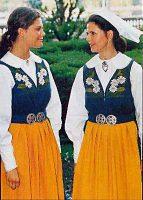 (15) Silvia & Victoria