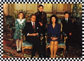 (540) The Royal Family, 1991 (17 x 12 cm)