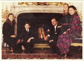 (569) The Royal Family (double greeting card - 17 x 11,5 cm when folded)