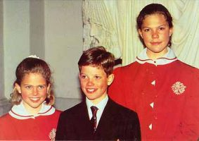 (158) Victoria & siblings