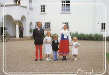 (959) The Royal Family