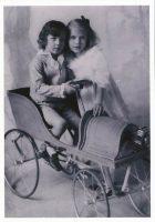 (1008) Ingrid & Bertil, 1916 (modern large postcard 21 x 15 cm)