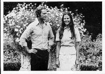 (4) Silvia & Carl Gustaf, 1976 (Nilsson-Foto 12,5 x 9 cm)