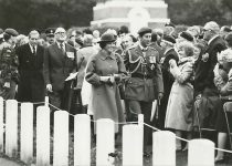 (6) Beatrix, Claus & Charles, Arnhem 1984 (Nationaal foto persburo - 17,5 x 12,5 cm)