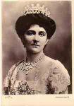 (7) Queen Elena