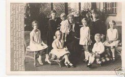 (36) Maria-Anna and grand children