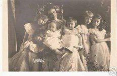 (47) Maria-Anna & children