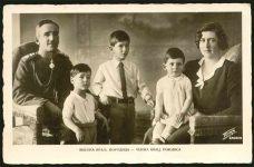 (18) Maria & Alexander with children