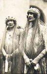 (34) Elisabeth & Maria