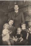 (18) Franz Joseph, Gina & 3 children (Quick, Vaduz)