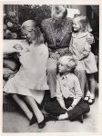 (25) Duke & Duchess of Kent with children, 1970 (press photo The Central Press Photos, 15,5 x 11,5 cm)