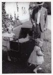 (31) King Gustaf V with Margaretha, Birgitta & Desireé, 1938 (Nilsson-Foto 12,5 x 9 cm)