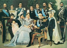 (1192) The Swedish Royal Family, c. 1900 (modern postcard issued c. 1970's)