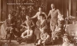 (368) The Crown Prince couple with children, 1920's