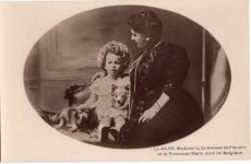 (242) Duchess of Flandre with Princess Marie José