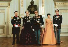 (661) The Royal Family, 1997